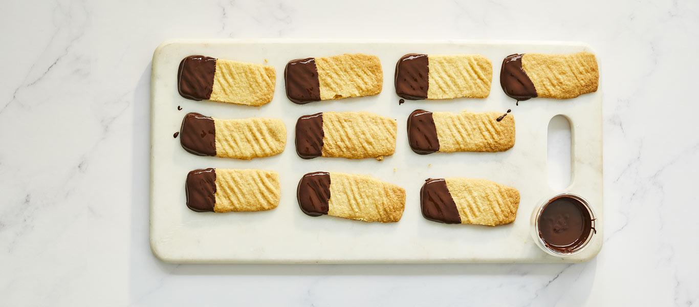 Ginger Shortbread Fingers with Chocolate